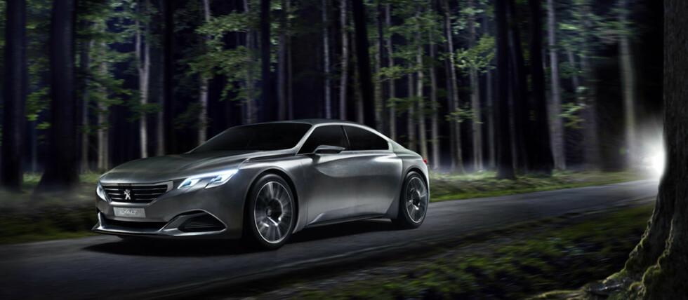 """I DRØMMELAND? Nei, Det er nok ikke tilfeldig at Peugeot nå for andre gang lanserer en konseptbil over temaet Exalt. Det planlegges en såkalt """"4-dørs kupé"""" i samme stil som Mercedes-Benz CLA. Foto: PEUGEOT"""