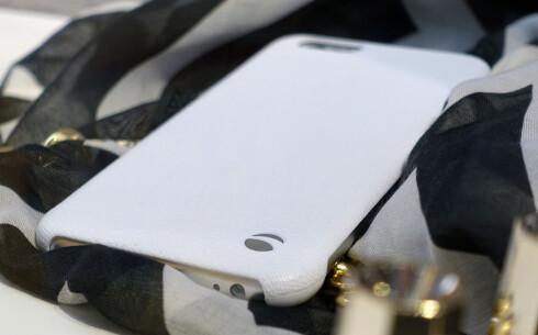 HER ER IPHONE 6: Eller det håper i hvert fall Krusell, som har laget deksel til den trolig 4,7 tommer store telefonen. Foto: KIRSTI ØSTVANG