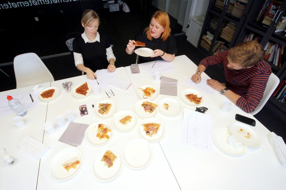 BLINDTEST: Vi har smakt på skinke- og pepperonipizzaene i blinde.  Foto: OLE PETTER BAUGERØD STOKKE