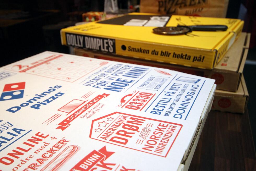 TAKE AWAY: Hvor god er take away-pizzaen fra Domino's? Vi har testet den mot pizza fra Peppes og Dolly Dimple's. Foto: OLE PETTER BAUGERØD STOKKE