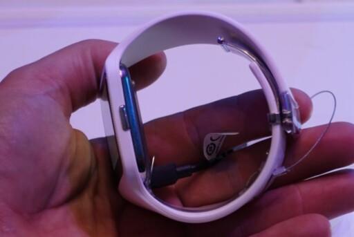 UR: Smartklokker er noe av det store fra mobilprodusentene i år. Foto: KIRSTI ØSTVANG