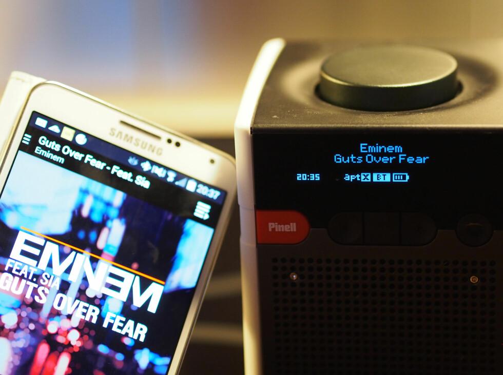 Go+ spiller musikk fra vår Samsung Galaxy Note 3. Foto: ØYVIND PAULSEN