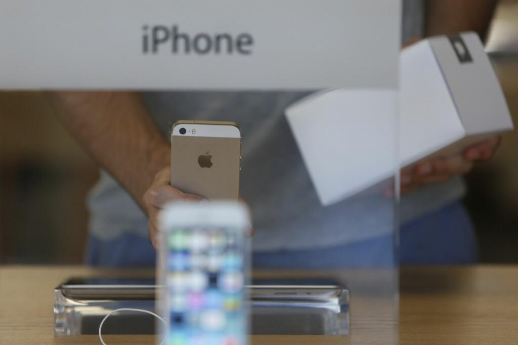 <b>NÅ KOMMER OPPFØLGEREN:</b> Det er snart ett år siden iPhone 5S ble lansert. Nå er Apple straks klare med en ny modell. Foto: ALL OVER PRESS