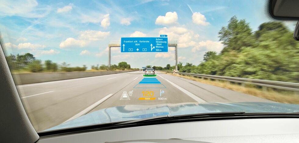 image: Snart viser frontruta når du skal svinge og bremse