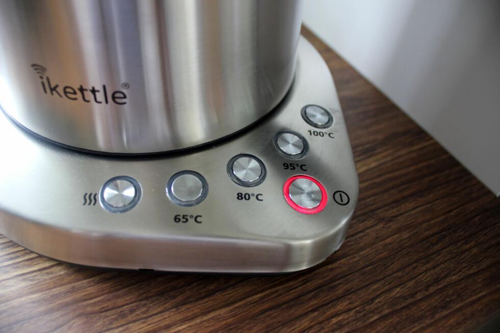 BASEN: Du kan også velge temperatur og eventuelt velge varmholding, fra baseenheten.  Foto: KRISTIN SØRDAL