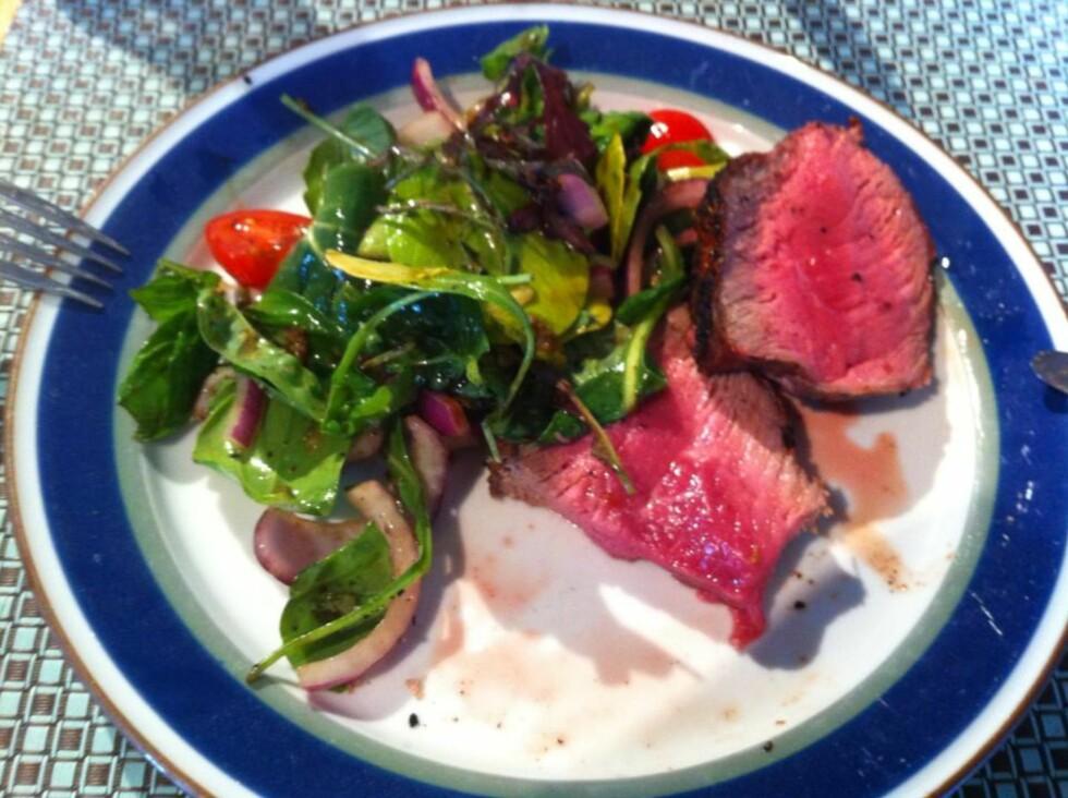 Grillet kjøtt kan være svært fristende for veps. Foto: BRYNJULF BLIX