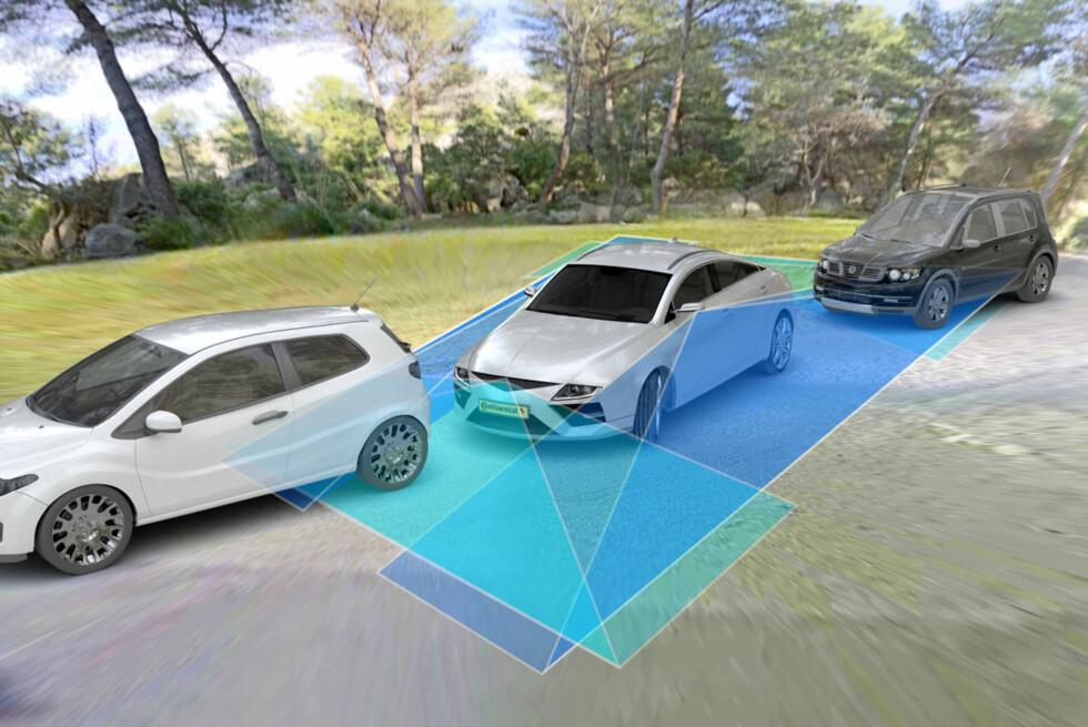 """OVERSIKT: Her ser vi skjematisk hvilke soner kameraene """"ser"""" og som deretter blir """"sydd sammen"""" til et fullstendig overblikk av bilens datamaskin. Foto: CONTINENTAL AG"""