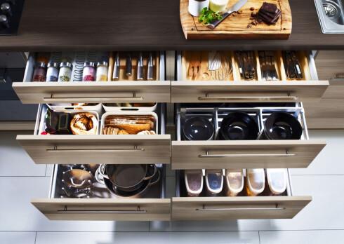 DET YTRE: Skrog og innmat må du kjøpe på Ikea, mens frontene kan du få spesialbestilt fra Studioin.  Foto: IKEA