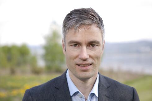 INFORMASJONSSJEF i Toyota Norge, Espen Olsen, kjenner ikke til at Prius skal være spesielt utsatt for hacking i Norge. Foto: TOYOTA