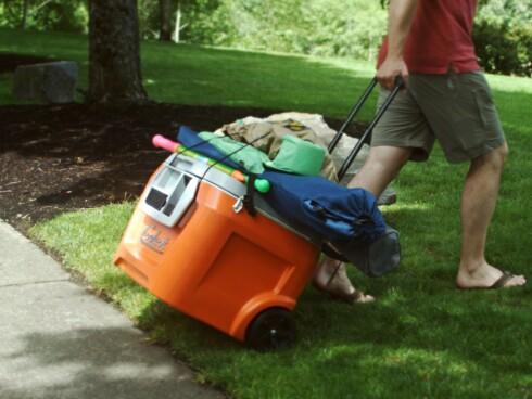 PLASS TIL MER: Takket være stroppene kan du få med deg en del ekstra bagasje.  Foto: COOLETSKICKSTARTER.COM