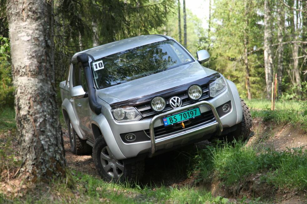 FULL GARANTI: VW står parat til å montere din amarok med mye utstyr om du trenger bilen til tøffere tak. Foto: RUNE M. NESHEIM