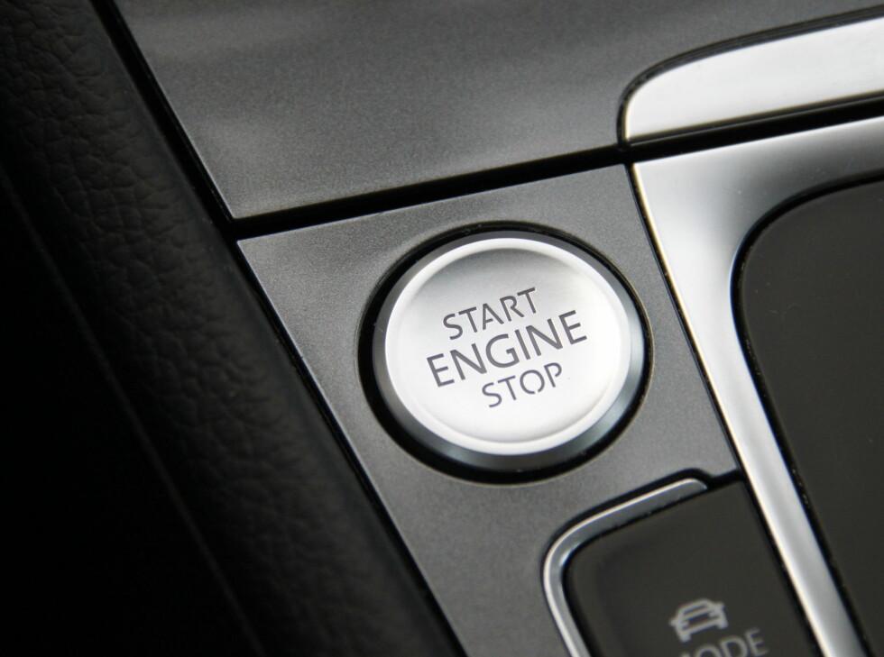 KEYLESS: Nøkkelfri start er ikke standard i den ellersvelutstyrte e-Golf. Foto: RUNE M. NESHEIM