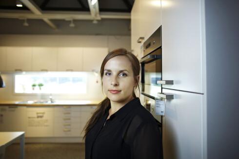 HEMMELIGHETSFULL: kommunikasjonsrådgiver Siv Egger i Ikea vil ikke ut med noe om den norske katalogen før den lanseres. Foto: IKEA