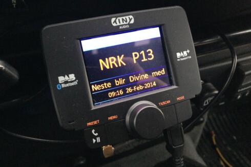 VELG PLUSS: Husk at radioen må være av DAB+-typen for å ta i mot alle kanaler. Helst bør den ha FM også, slik at du kan fortsette å høre radio i tuneller. Foto: Øyvind Paulsen