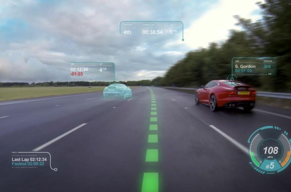 DEN VIRTUELLE VIRKELIGHET: Jaguar har planlegger å lage en virtuell frontrute, som både vil komme til nytte på bane og til hverdagsbruk. Foto: JAGUAR
