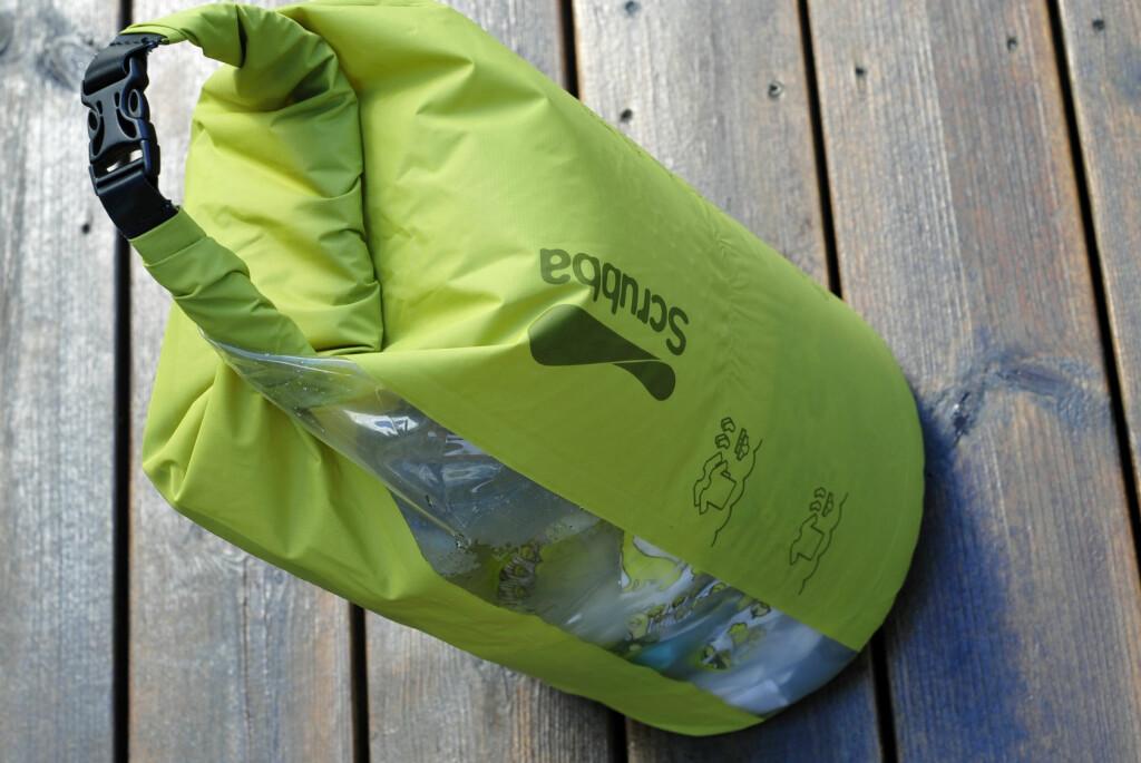 <b>FOR KLESVASK PÅ TUR:</b> Fyll med klær, vann og vaskemiddel og skrubb feriegarderoben ren.  Foto: KRISTIN SØRDAL