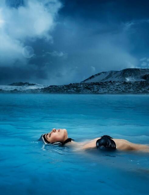 DEILIG? Liker du å slappe av i vannet, kan disse islandske flyteproduktene kanskje være noe. Foto: FLOATIS.BIGCARTEL.COM