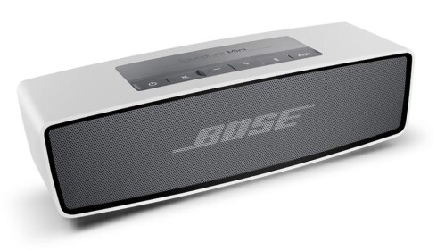 GIR BORT LYD I JULA: Salget av trådløse høyttalere øker i sommermåneden og spesielt i november. Avbildet: Bose SoundLink Mini Bluetooth Speaker. Foto: PRISJAKT.NO