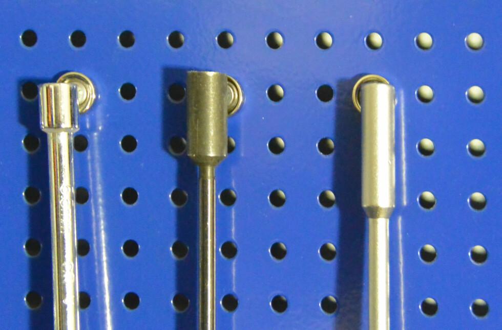 <B>GJØR JOBBEN:</B> Magneter kan holde på verktøy, du trenger ikke kroker! Foto: BRYNJULF BLIX