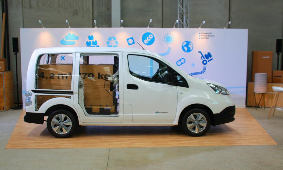MYE PLASS: Her er varebilen e-NV200, som kan laste 4,4 kubikkmeter / 770 kilo nyttelast eller to europaller. Foto: KNUT MOBERG