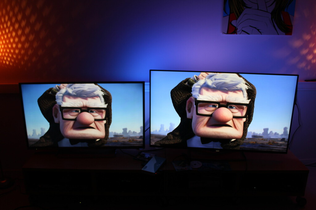 Panasonic til venstre, Philips PFS 7509 til høyre. Foto: ØYVIND PAULSEN