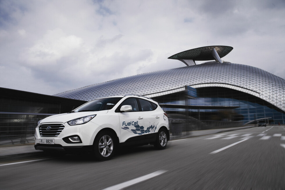 FERDIGTESTET: Hyundai ix35 el-hydrogen er ifølge produsenten verdens første masseproduserte el-hydrogenbil.  Foto: HYUNDAI