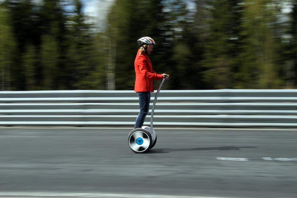 NÅ BLIR DET LOV: Fra 1. juli kan du kjøre ståhjuling i Norge, innenfor gitte rammer. Foto: FRED MAGNE SKILLEBÆK