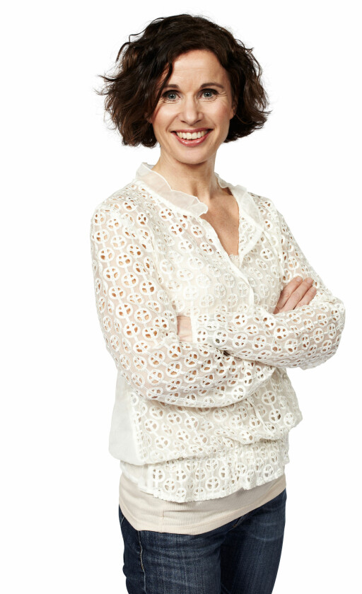 OVERRASKET: Ernæringsfysiolog og fagsjef Kari H. Bugge i Grete Roede trodde det skulle være mer yoghurt, og mindre sukker, i yoghurtis.  Foto: GRETE ROEDE