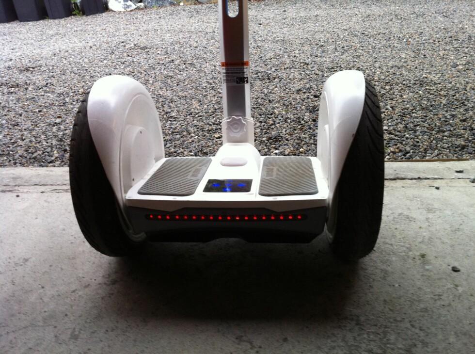 KRAV TIL LYS: Det er foreslått krav til lys og refleks på ståhjulinger. Nineboten har slike lys bak. Foto: KRISTIN SØRDAL