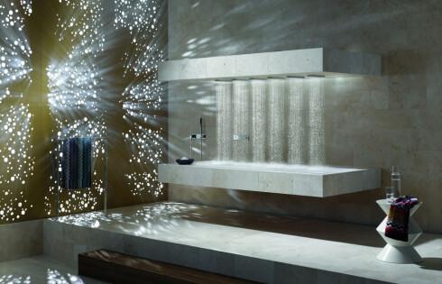 Med horizontal shower fra Dornbracht kan du starte dagen liggende i dusjen.  Foto: Dornbracht