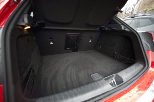 <strong><B>IKKE STORT:</strong> </B>421 liter er hva du får plass til bagasjen på GLA.