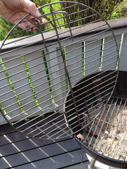 RENERE: Grillristen ble renere enn den var før bruk av vaskeroboten, men ikke så ren som vi hadde håpet. Foto: BERIT B. NJARGA