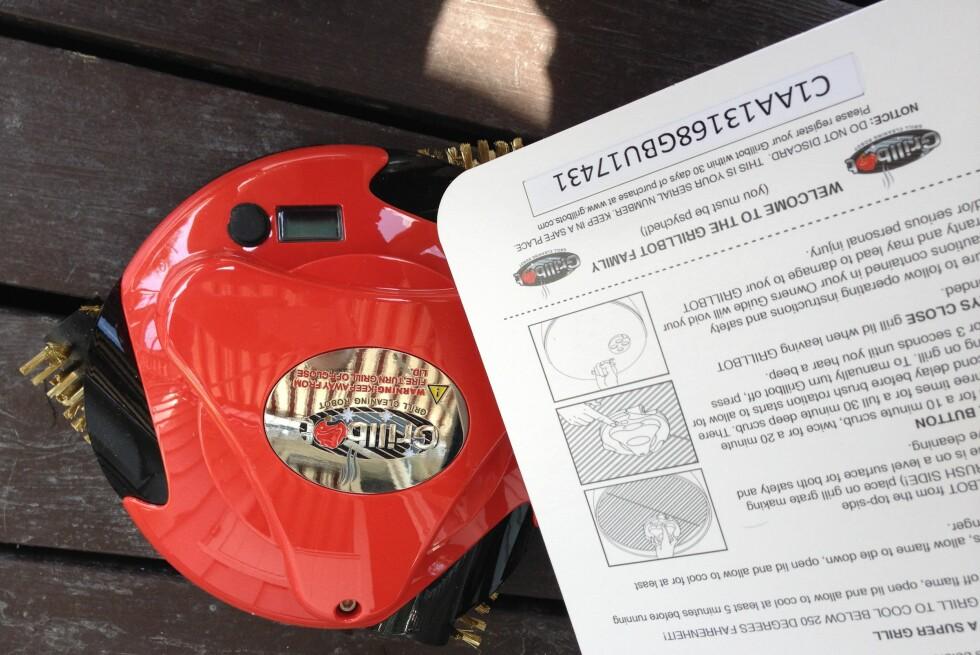 VASKEROBOT: Grillbot er en egen vaskerobot for grillrister. Vi har satt den på prøve. Foto: BERIT B. NJARGA