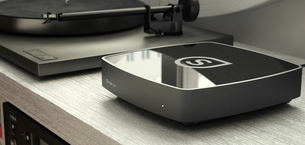 SLIK KOBLER DU: Roomplayer må kobles til nettverksruteren med Ethernetkabel. Vil man ha flere spillere, holder det å koble de øvrige til strømnettet, der de finner hverandre via såkalt Power Line Communication.  Foto: SIMPLE AUDIO