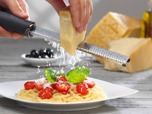 RIVJERN: Microplane lager solide rivjern, råder en av kokkene vi har snakket med. Foto: PRODUSENTEN