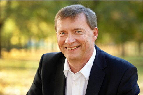 ØNSKER HURTIGLADERE: Ove Guttormsen i Nelfo ønsker ladebokser velkommen.  Foto: JOHN PETTER REINERTSEN