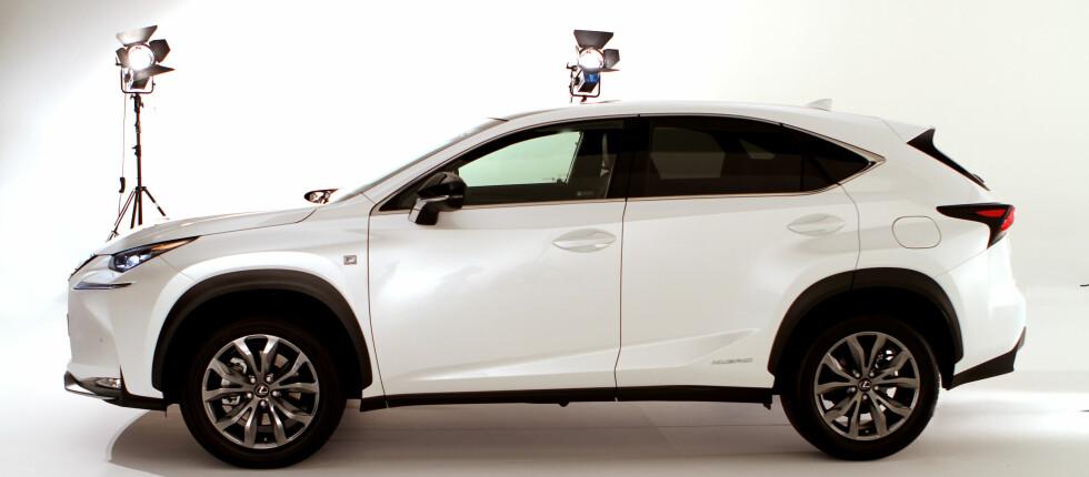 VINNER IGJEN: Lexus tar seieren igjen i den årlige kåringen Auto Index. Her representert med høstens nykommer, NX 300h. Foto: FRED MAGNE SKILLEBÆK/DINSIDE.NO