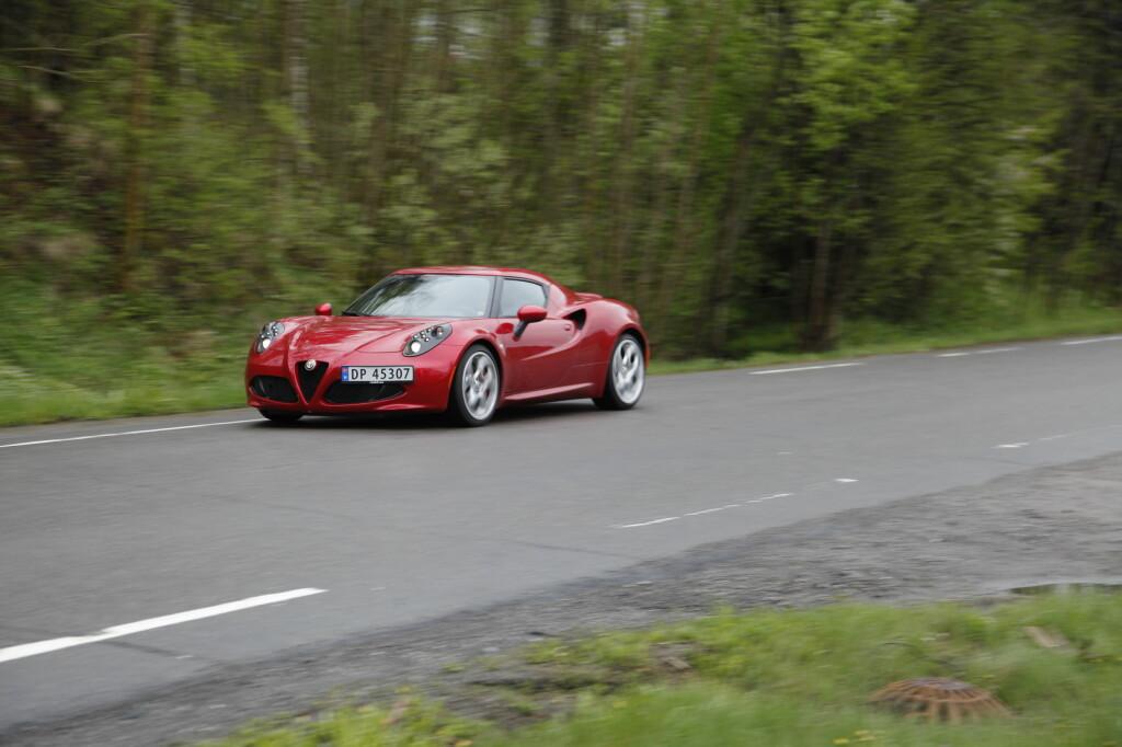 image: Alfa Romeo 4C