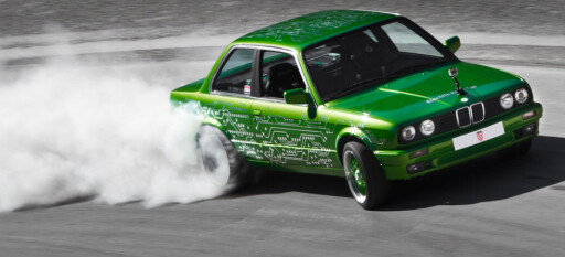 MONSTER: Green Monster heter Mate Rimacs svenneprøve. Med 3,3 sekunder fra 0 til 100 beviser den at elektrisitet kan erstatte eksplosjoner. Foto: RIMAC
