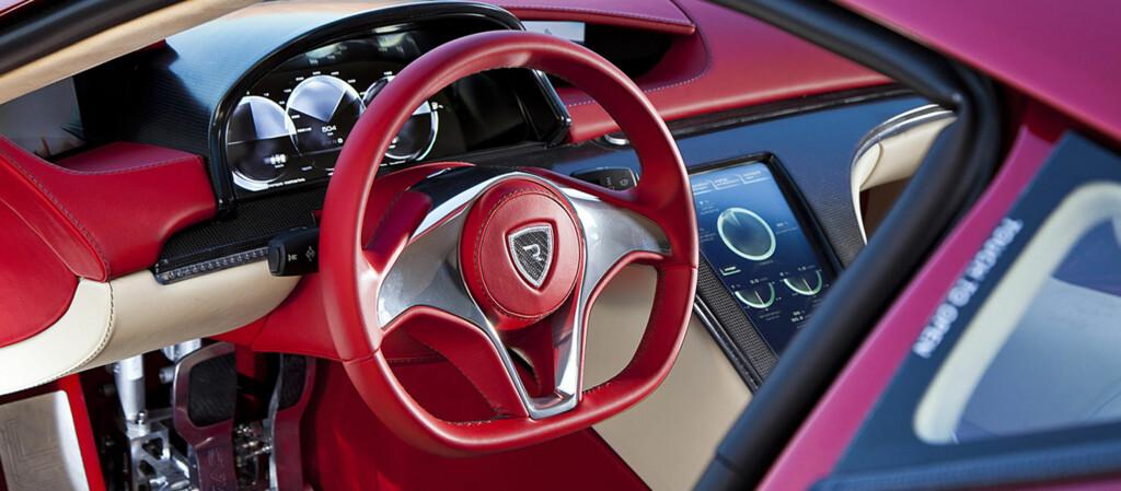 <b>ELEKTRISK OG HEFTIG:</b> Rimac har hatt prototypen klar en tid nå, og endelig kom den gode nyheten: Nå er finansieringen av det utrolige elbil-eventyret sikret. Interiøret er utført av den velrenommerte interiørdesigneren Vilner, som tidligere har levert spesialinteriører til blant andre Mercedes SL og Corvette. Foto: RIMAC