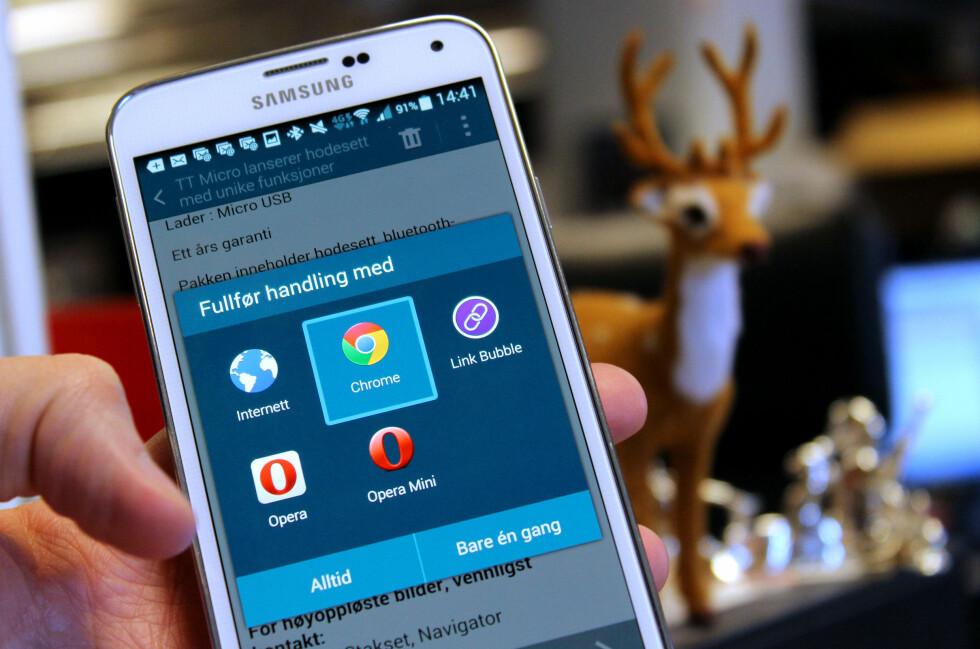 VELG FAVORITTEN: På en Android-telefon kan du selv velge hvilke apper du helst vil bruke til de vanligste oppgavene, som for eksempel nettsurfing. Foto: OLE PETTER BAUGERØD STOKKE