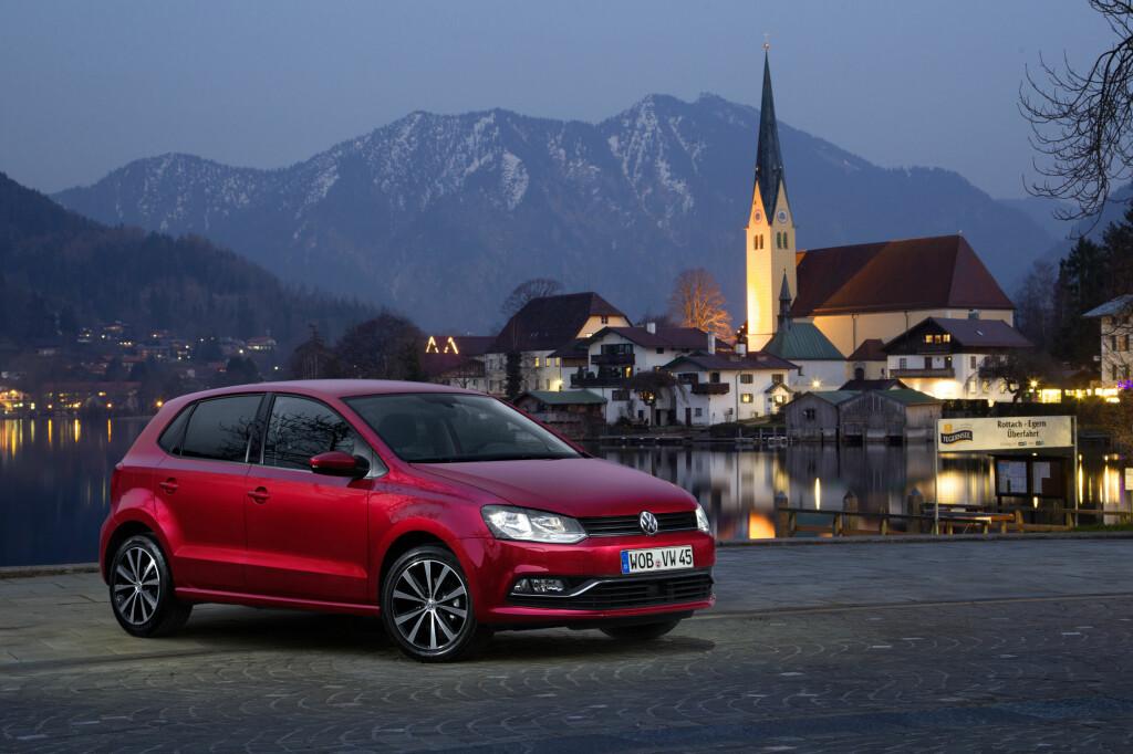 <b>ELG I SOLNEDGANG?</b> Nei, men en Polo i skumringen ser også bra ut.  Foto: VW