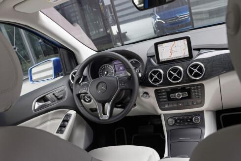LITE NYTT: Alle som kjører forhjulsdrevne Mercedeser vil kjenne seg igjen i B-klasse Electric Drive.  Foto: MERCEDES_BENZ