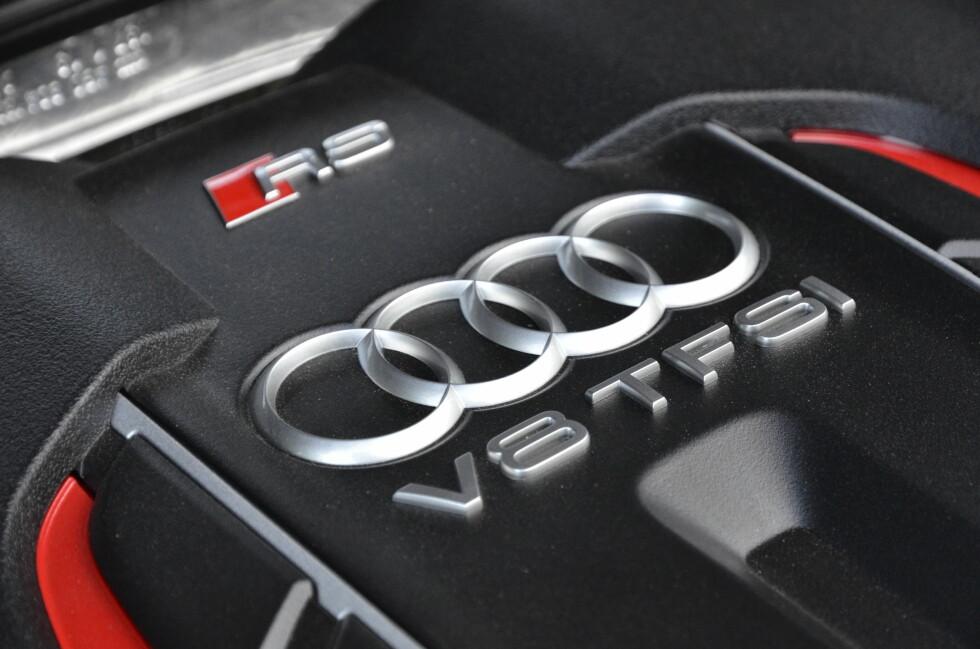 Twin-turbo: RS/ har en 4 liters V8-motor med twin-turbo og 560 hestekrefter. Dette er nok til å få deg fra 0-100km/t på 3,9 sekunder. Foto: STEIN INGE STØLEN