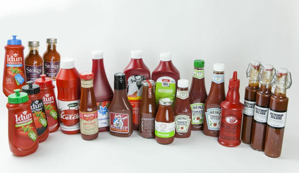 DinSide har smakt på 21 totalt ketsjuper. Mange av dem hadde hatt godt av litt ekstra. Foto: PER ERVLAND / DINSIDE.NO