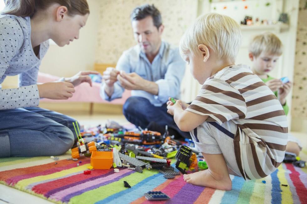 FRADRAG? Har du små barn kan du blant annet ha krav på fradrag for stell og pass av barna.  Foto: ALL OVER PRESS
