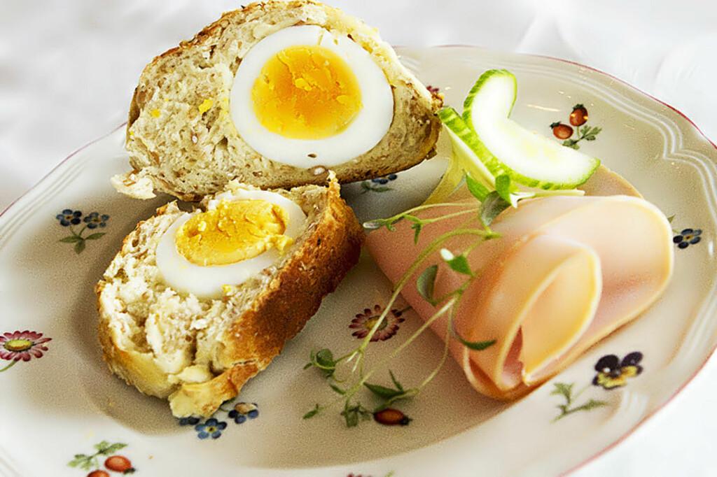 <b>IMPONERE?</b> Slik lager du påskefrokosten (eller kanskje helst lunsjens?) beste snakkis. Foto: EINAR NILSEN / RETTIPANNA.NO