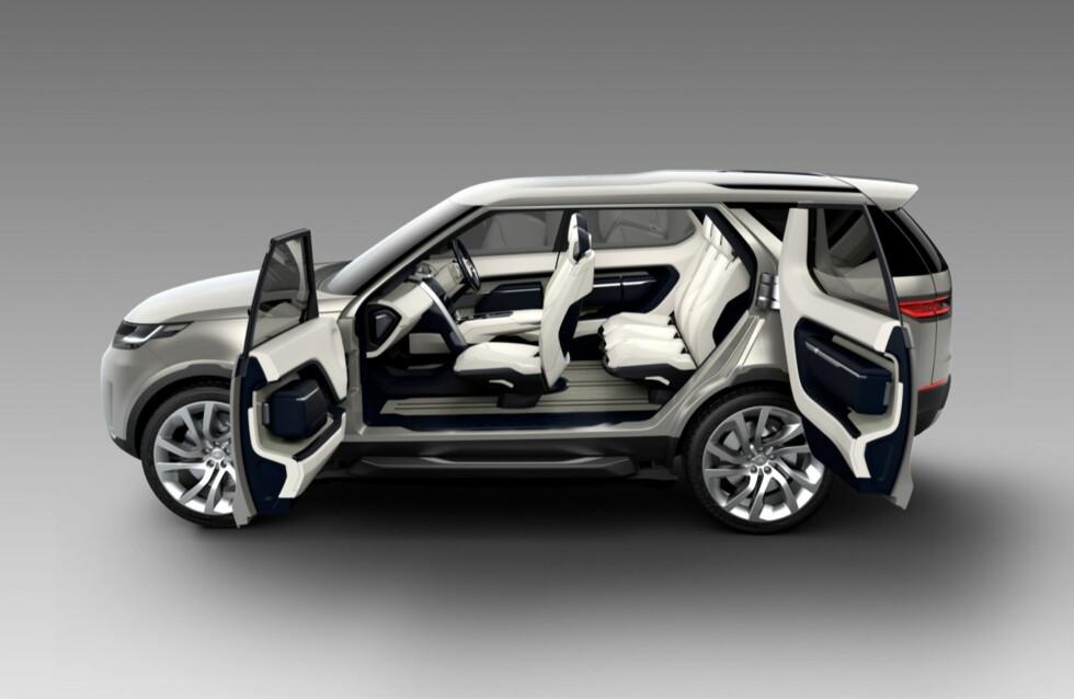 GENIAL SETELØSNING: Interiøret i neste Land Rover Discovery - i det minste denne konseptversjonen - kan varieres nærmest i det uendelige. Men bilen har flere smarte ess i ermet... Foto: LAND ROVER