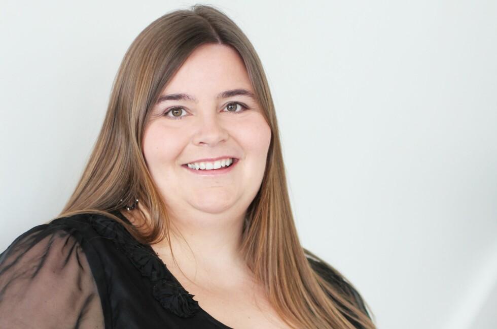 KAFÉSUKSESS: Astrid Valen-Utvik har drevet eget selskap siden 2009. Mye av jobben gjør hun fra kafé, og i dag har selskapet milionomsetning.  Foto: NINA HOLST, STYLIZIMO