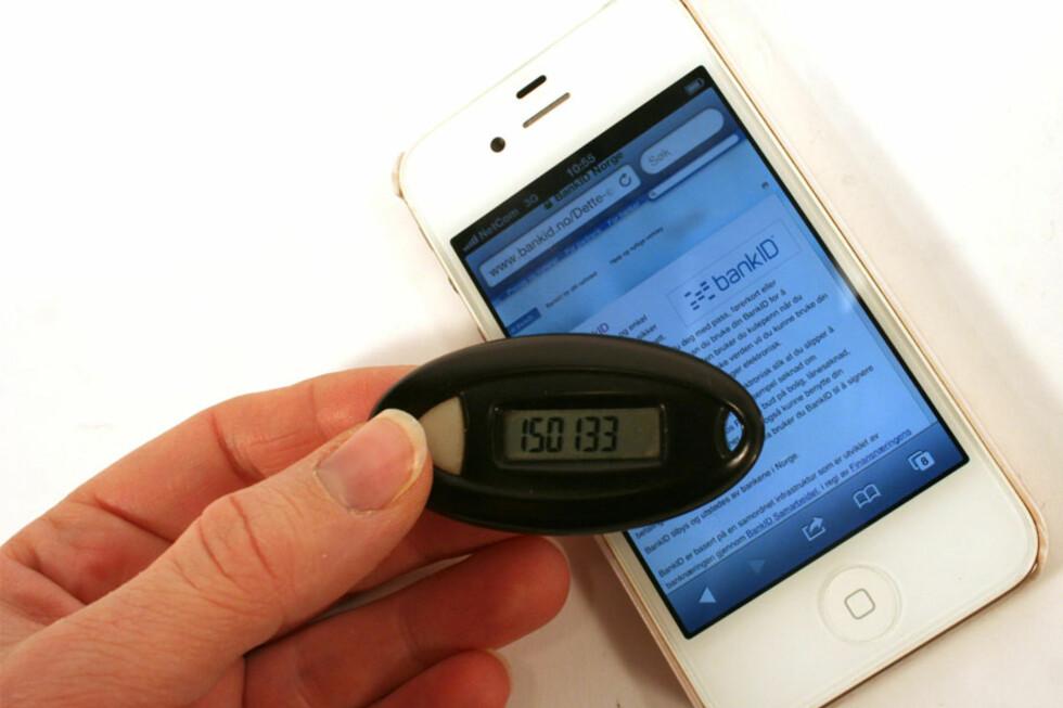 POPULÆRT: BankID på mobil har blitt et populært produkt blant norske bankkunder. Nå blir 260.000 brukere hos Telenor og djuice pålagt brukerbetaling hver gang de bruker BankID på mobil. Blir det tilbake til kodebrikken? Foto: BERIT B. NJARGA